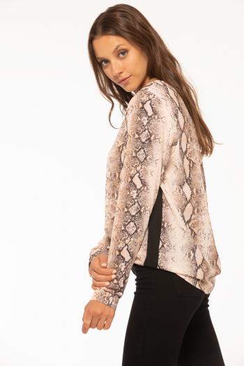 f27aa8e24 Sweater lentejuelas. Blusa de crepe sublimada